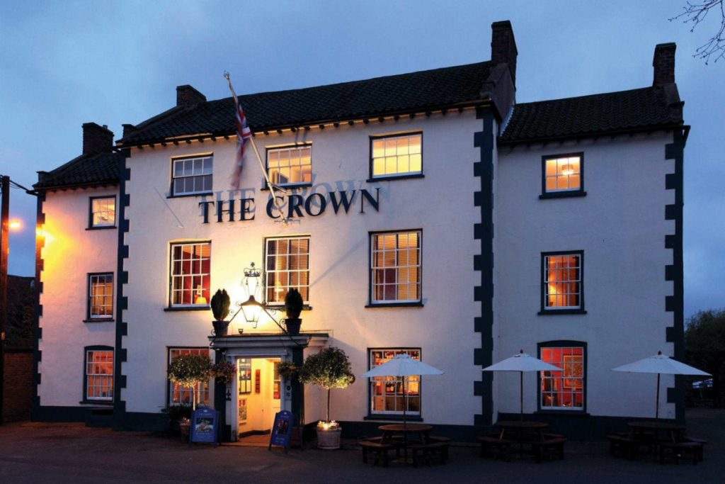 The-Crown-01-1200px