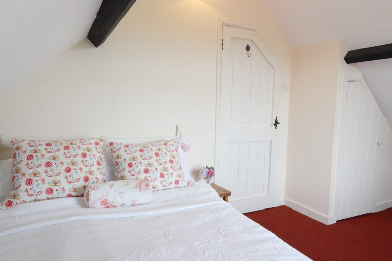 A double bedroom in Antwis holiday cottage in Binham.