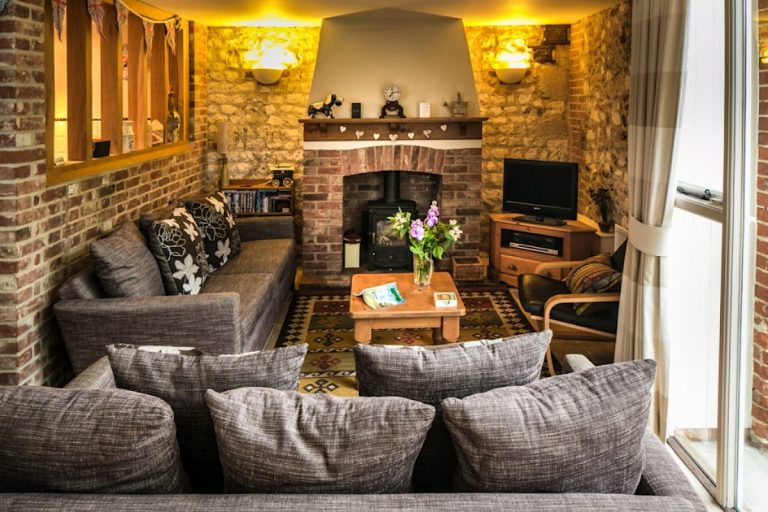 The cosy lounge at Cog Cottage in Great Walsingham.