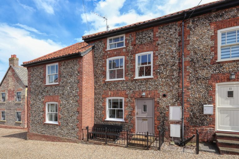 View more information about 9 Mindhams Yard